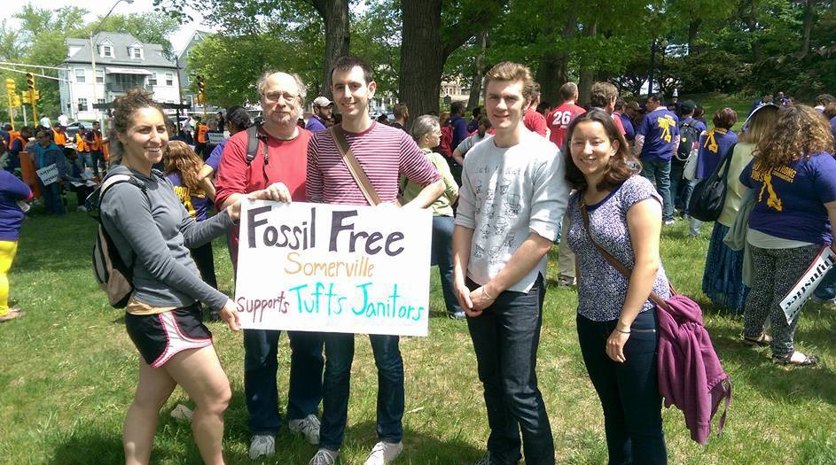 Fossil Free Somerville Supports Tufts Janitors